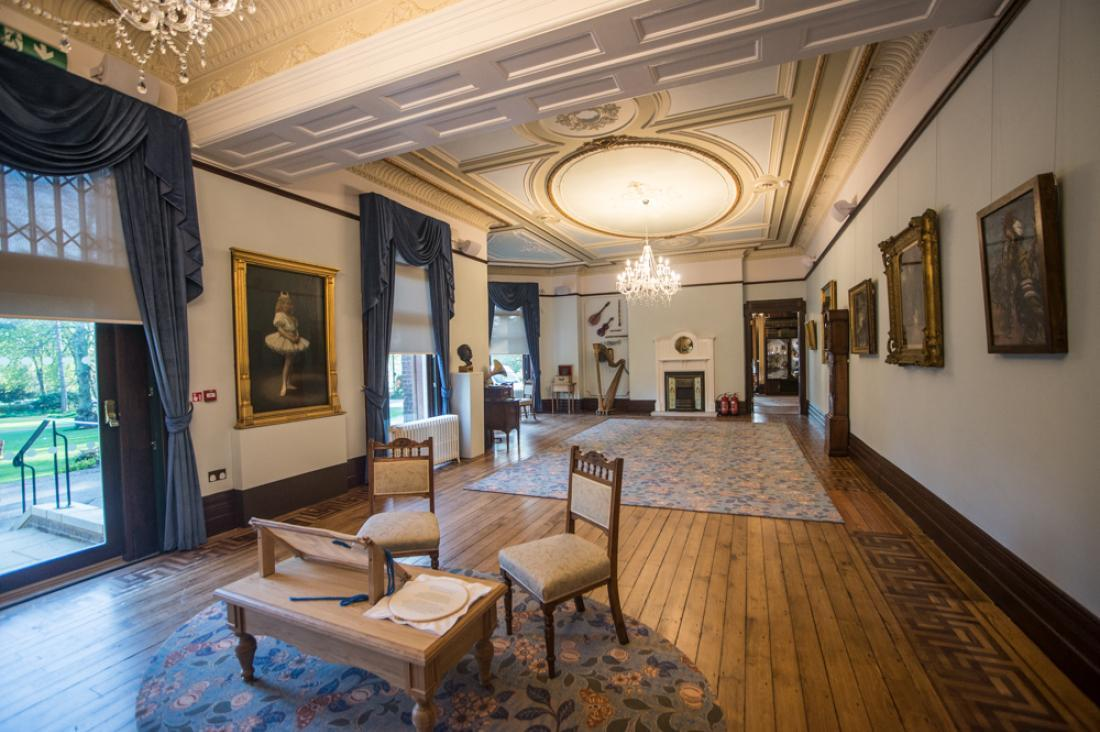 Wardown Drawing room